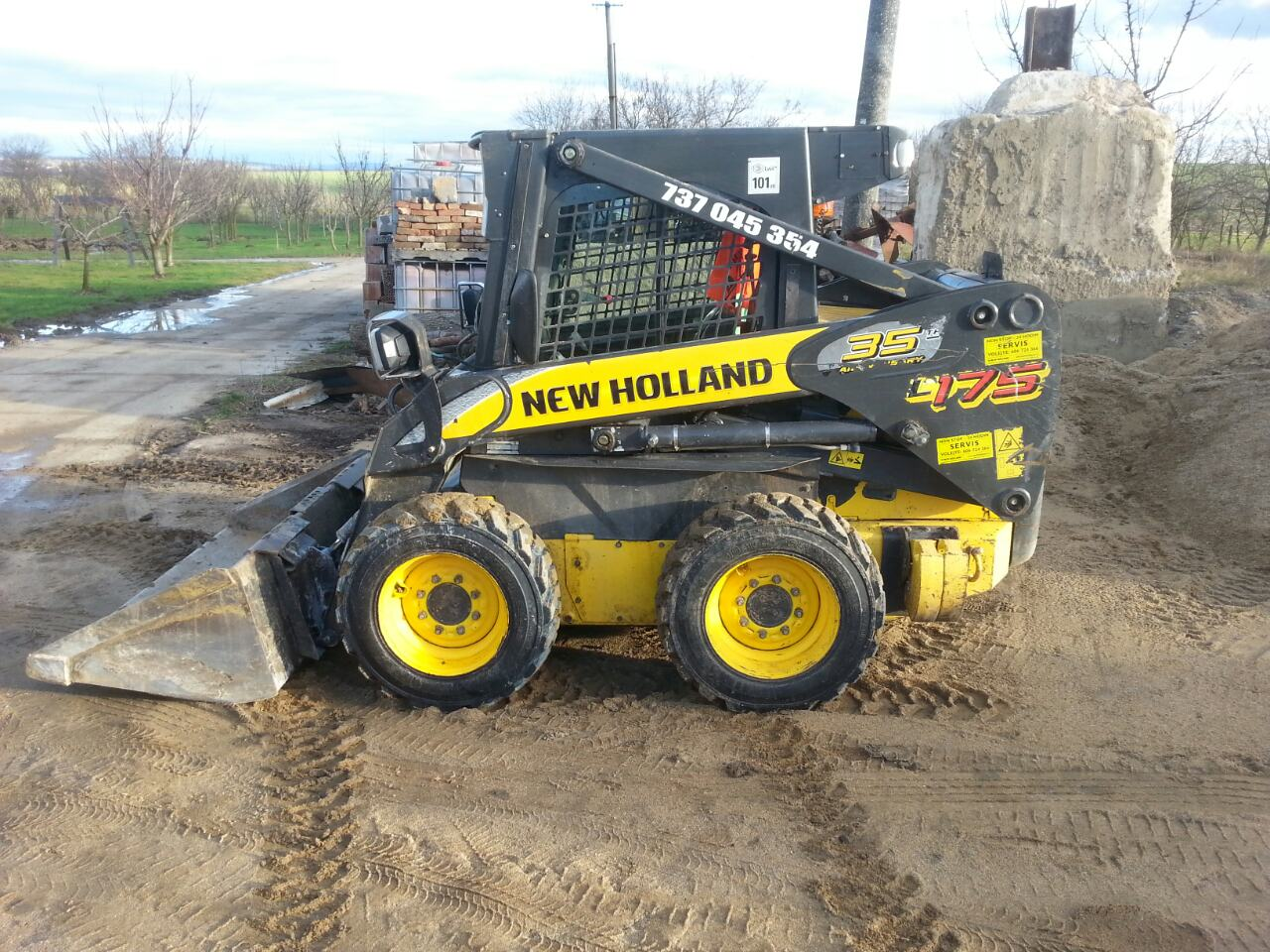 Traktorbagr New Holland